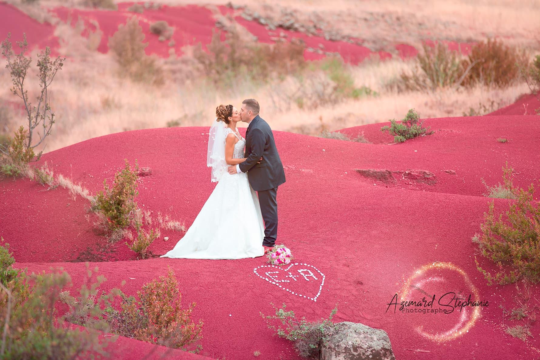 Photo de couple mariage Aurore et Eric lac du Salagou dans l'Hérault . Azemard Stéphanie photographe